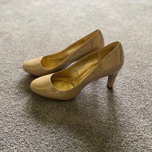 Bandolino- B Flexible Nude Heels
